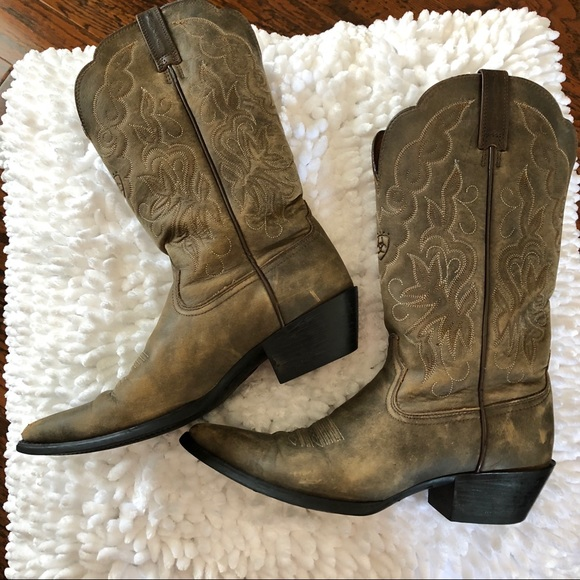 bf0fad2e680 Sz 8.5 Leather Cowboy Boots: Ariat #15729 - EUC